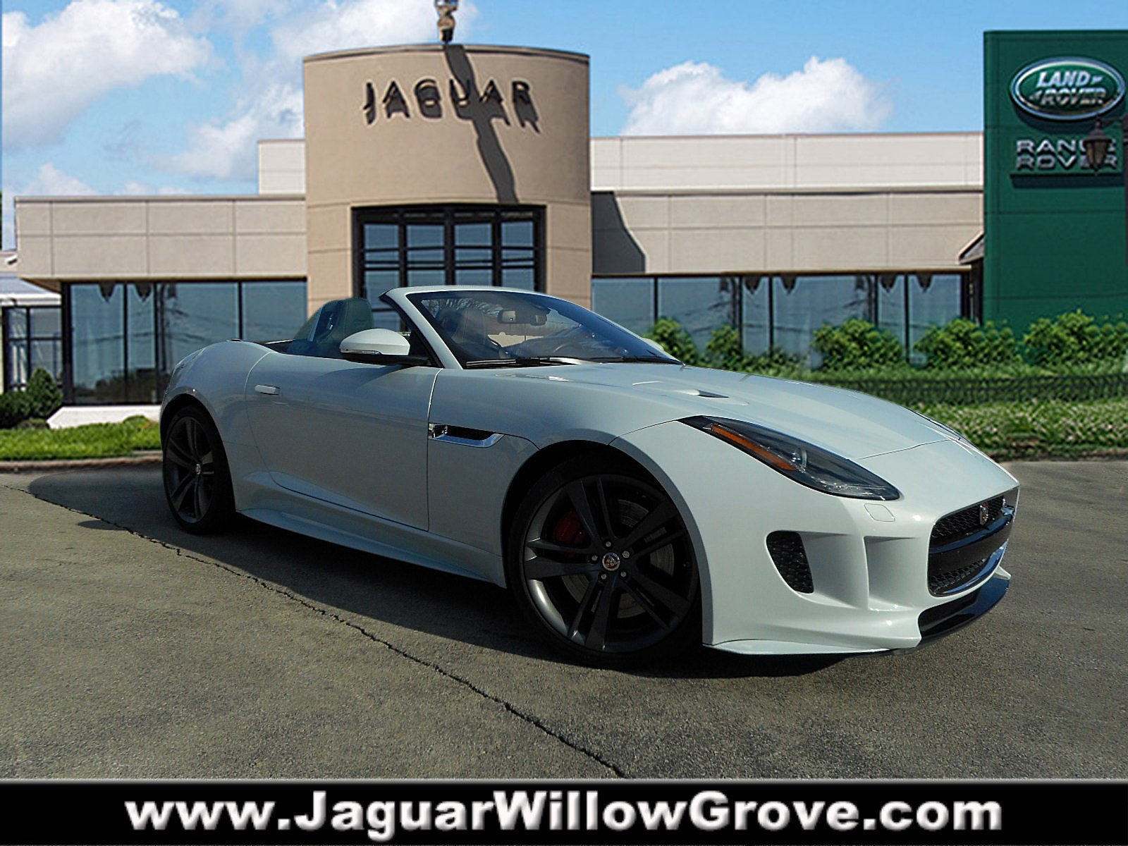 Pre-Owned 2017 Jaguar F-TYPE S With Navigation & AWD